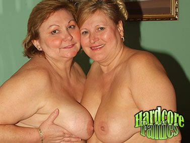 Mature Plumper Show Off Their Tits